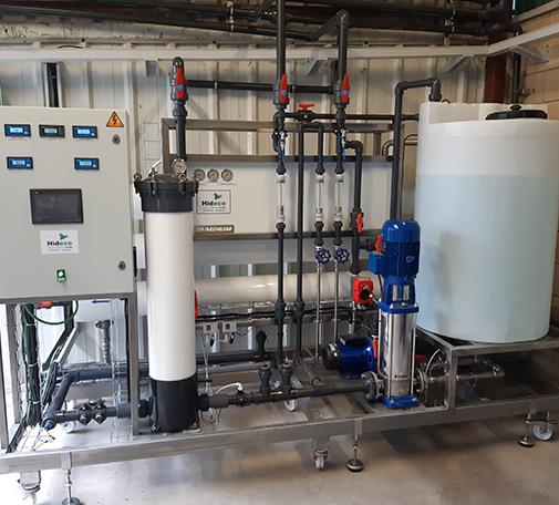 Tratamiento de agua para la eliminación de sales disueltas mediante membranas de ósmosis inversa
